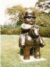 Ботеро - Скульптура Джентельмен в котелке-шляпе